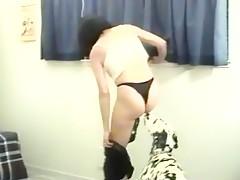 Mexicana caliente follandose al perro